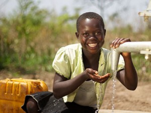 girl-with-clean-water-sudan